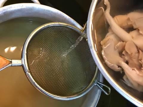 Bún ốc chuối đậu chay bước làm 2 hình