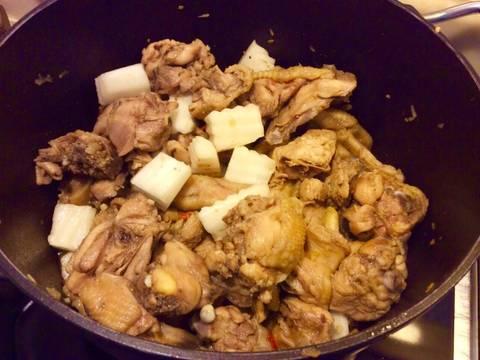 Gà kho củ cải recipe step 5 photo