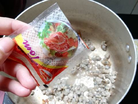 Canh hến nấu rau cải recipe step 4 photo