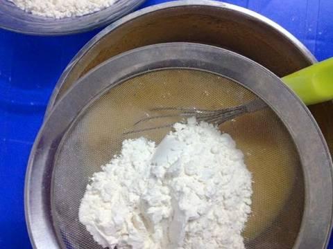 Bánh kem tươi sầu riêng (xoài, mít, dâu tây) recipe step 4 photo