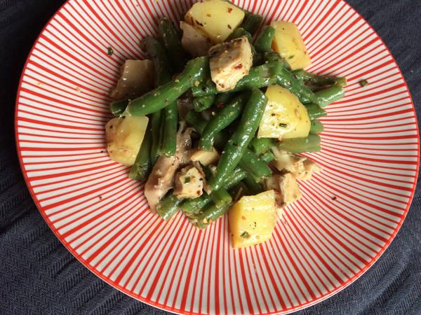 Salade de poulet au haricots verts frais et pommes de terre