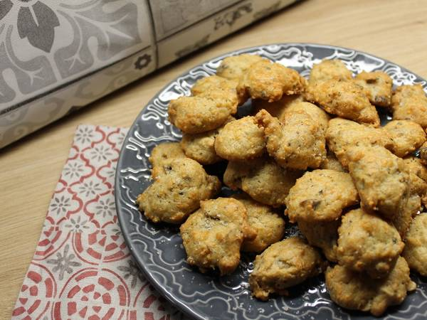 Cookies apéritif au bleu et aux noisettes