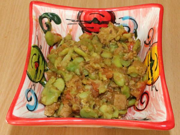 Wok de fèves au tofu mariné