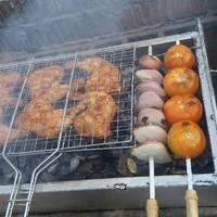 شوي الدجاج على الفحم