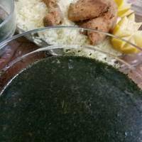 الملوخية الخضراء الورق مع الدجاج