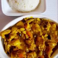 أرز بالزعفران مع ايدام هندي بالكاري
