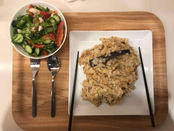 أرز بالشعرية والقرنفل والحمص نباتي فيجان صيامي pbd