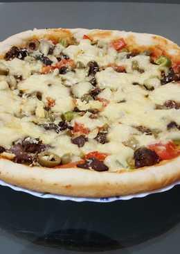 بيتزا بالكبدة والقوانص 🍕🍕