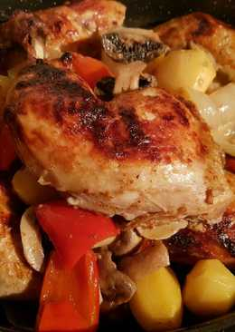 صينية دجاج مع صوص اللبن طعم روووعة جدا لذيذة ☺😋😋😋