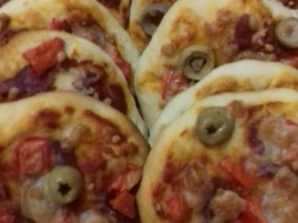 مينى بيتزا (حلوة للمدارس)