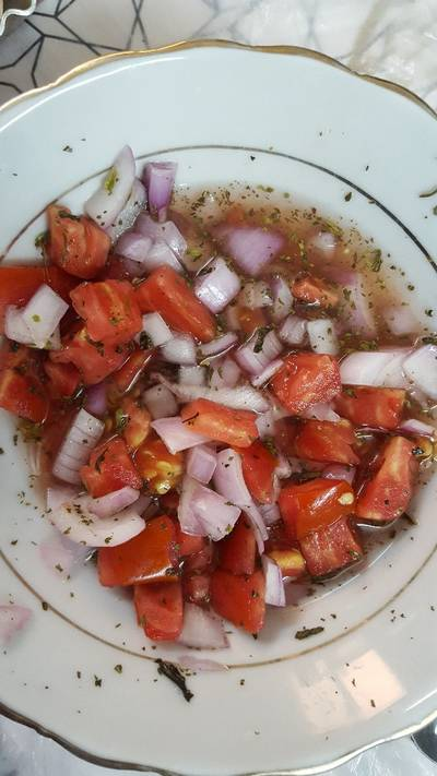 سلطة البصل والطماطم