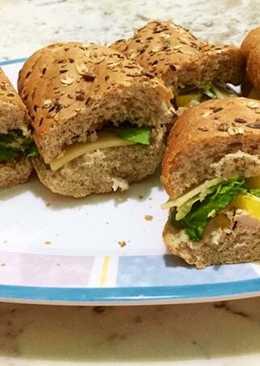 الخبز الفرنسي الدجاج مشوي مع الفلفل البارد