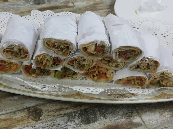 طريقة عمل سندويتشات الدجاج بخبز لبناني