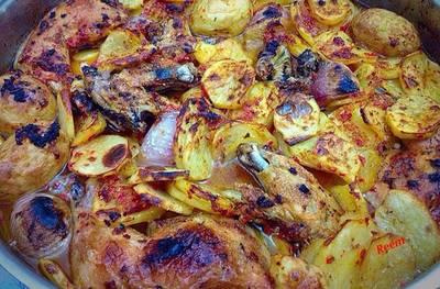 عمل صينية الدجاج والبطاطس بالطريقة التقليدية