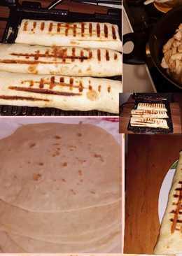 شاورما الدجاج مع خبز التورتيلا