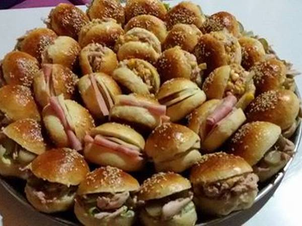 طريقة عمل خبز الهمبرغر ( الصمون)
