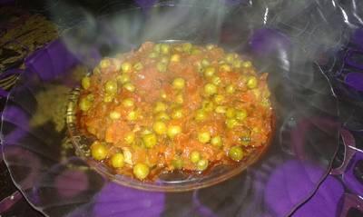 طماطم بالبازلاء