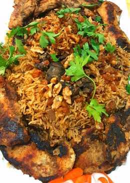 ارز بخلطة الكبد و المكسرات مع الصدور الفيليه المشوية
