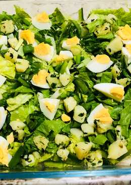 سلطة البيض مع البطاطس و الفلفل أخضر و بصل أخضر