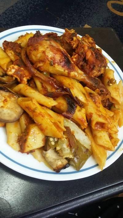 صينية المكرونة بالدجاج والخضار😌
