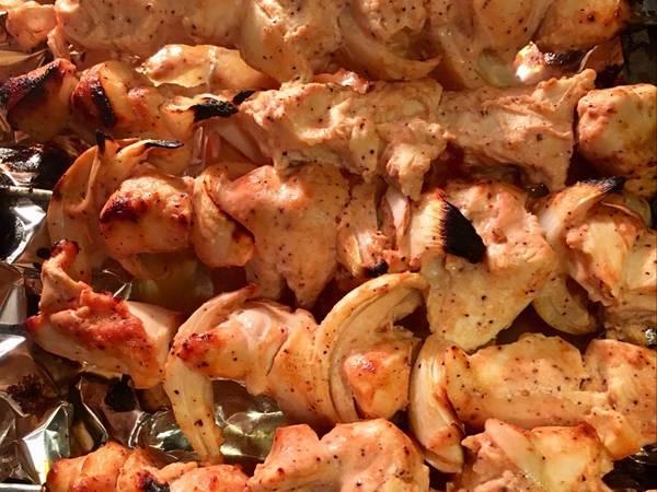 دجاج الطاووق أو 'شيش طاووق' في الفرن