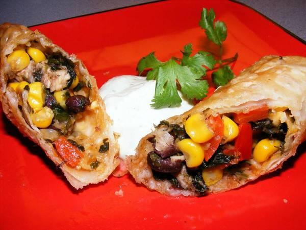 Southwestern egg rolls طبق مكسيكي