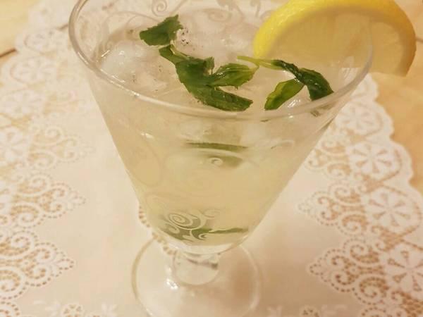 عصير الليمون بالنعناع المغلي