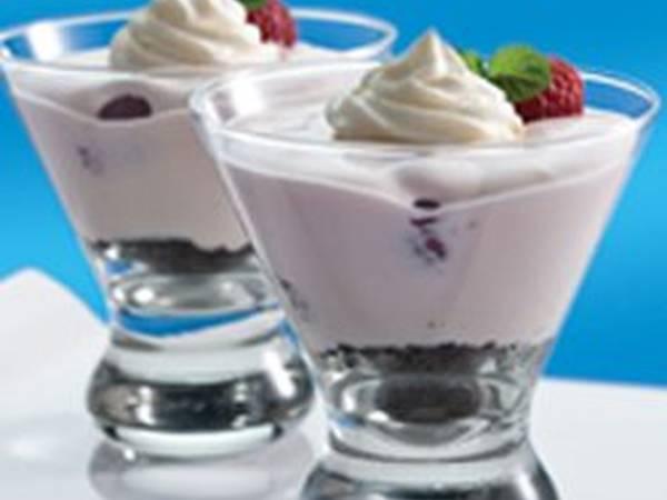 طريقة عمل حلوى بارفيه الشوكولاته والتوت البري المبسّطة