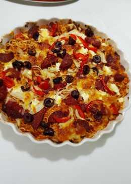 بيتزا الاندومي