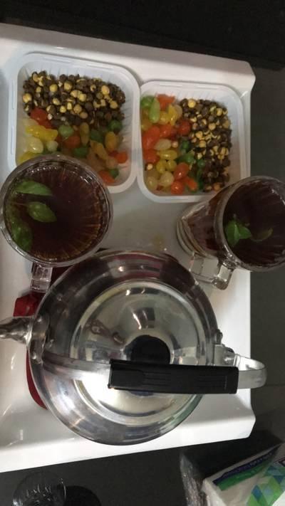 شاي (شاهي) احمر بالنعناع
