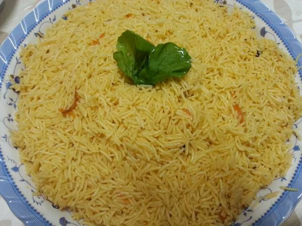 أرز ملون بالكركم