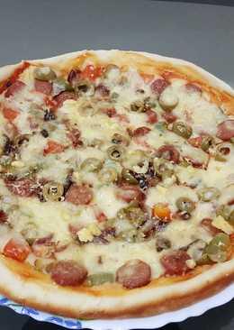 بيتزا بالنقانق 🍕🍕