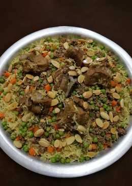 أرز باللحم مع بازيلا وجزر