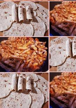 خبز التورتيلا مع شاورما الدجاج