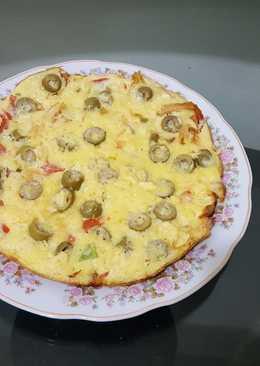 بيض مقلي بالدجاج والزيتون والجبنة الرومي 🥚🧀🍗