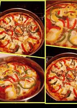بيتزا اللحم المفروم والفليفلة الملونة