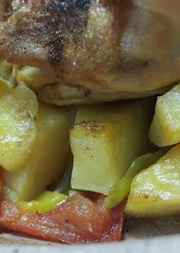 دجاج مع بطاطا بالفرن