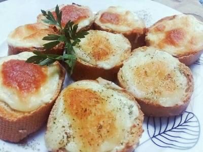 الخبز الفرنسي بخلطة الثوم بطريقة استاذي حمزة الطيار 😙😉✌