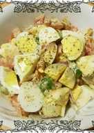 سلطة البيض المسلوق بالطحينه والطماطم