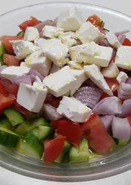 سلطة جبن فيتا البلغارية (شوبسكا) #أكلات_للعروس