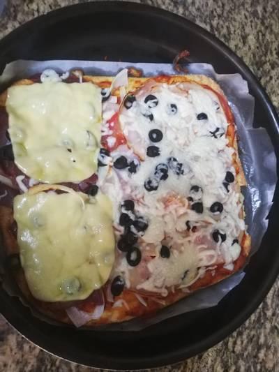 بيتزا جديدة من الجبنة