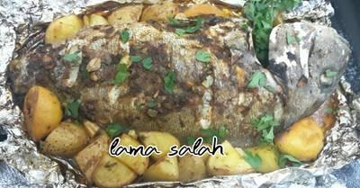 سمكة مشوية بورق الألمنيوم 😻 مع البطاطا 🍟
