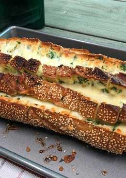 خبز بالثوم والجبنه - Garlic Bread