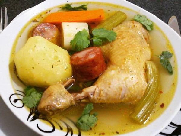 """Poule au Pot (Sopa Francesa, """"frango cozido"""")"""