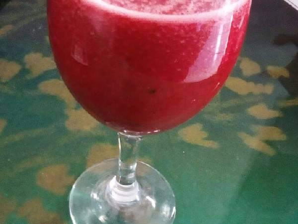 Suco de melancia beterraba e limão