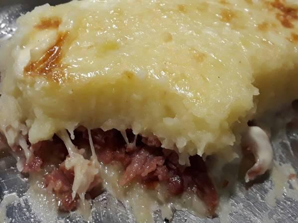 Kartoffel de calabresa e bacon