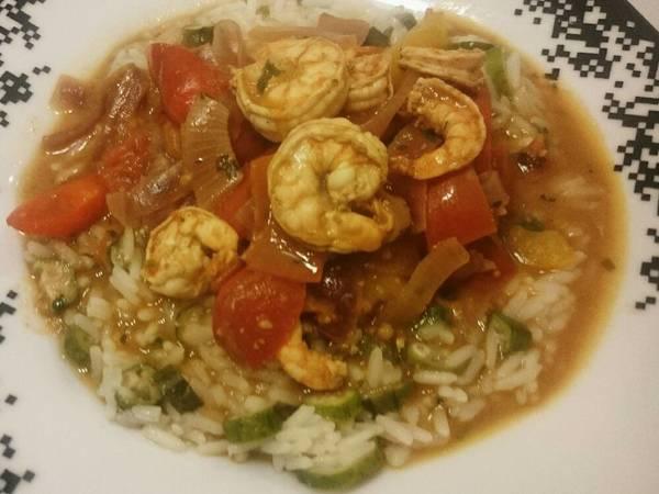 Curry de camarão à africana