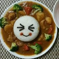簡易版的日式咖哩雞肉飯。便當料理