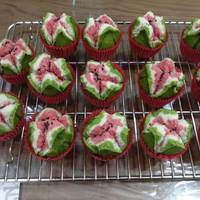 西瓜發糕 v.s 草莓發糕