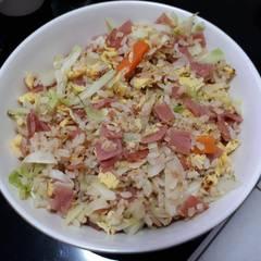 【一鍋到底】鮭魚高麗菜蛋炒飯 的試煮成品